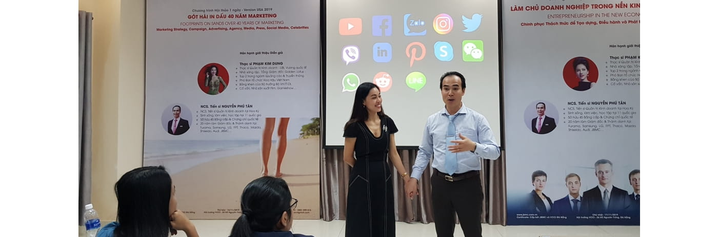 20191116_174642 - Tan & Dung 40 nam Got hai Marketing-2019.11.16