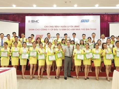 Corporate Training-PHU GIA THINH-NLBH-08 11-06-17