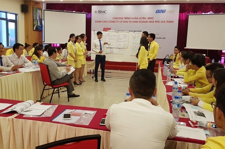 Corporate Training-PHU GIA THINH-NLBH-08 11-06-17