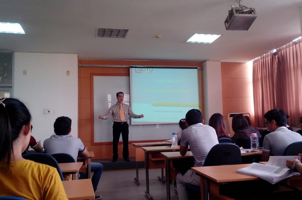 Giảng dạy Đại học & Cao học của NCS. Tiến sĩ NGUYỄN PHÚ TÂN