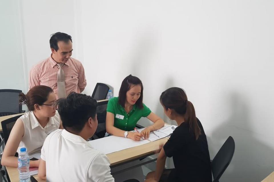 Corporate Training - VIET DIAMOND REAL ESTATES - Năng lực Thuyết trình - Khóa 03 24-09-17
