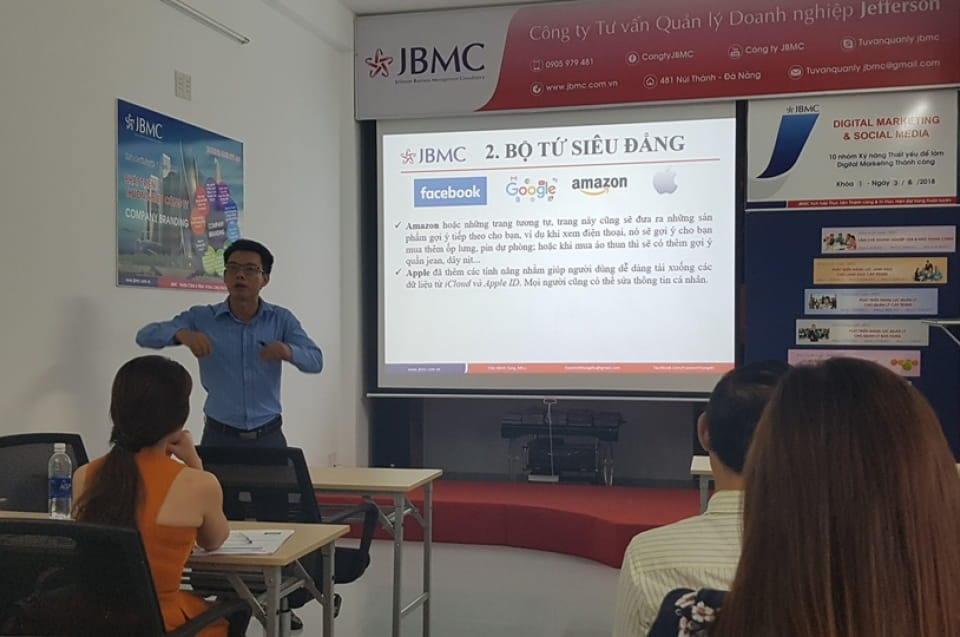 Digital marketing & Social media - Khóa 1 03-06-18